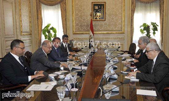 لقاء رئيس الوزراء مع رؤساء تحرير الصحف (4)