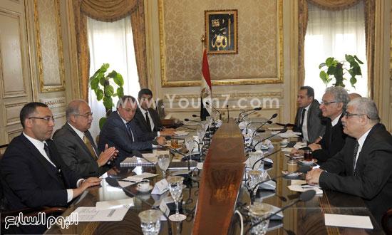 لقاء رئيس الوزراء مع رؤساء تحرير الصحف (5)