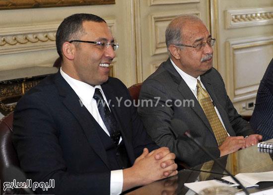 لقاء رئيس الوزراء مع رؤساء تحرير الصحف (7)