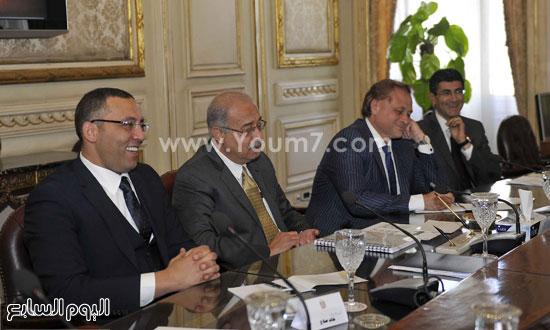 لقاء رئيس الوزراء مع رؤساء تحرير الصحف (8)