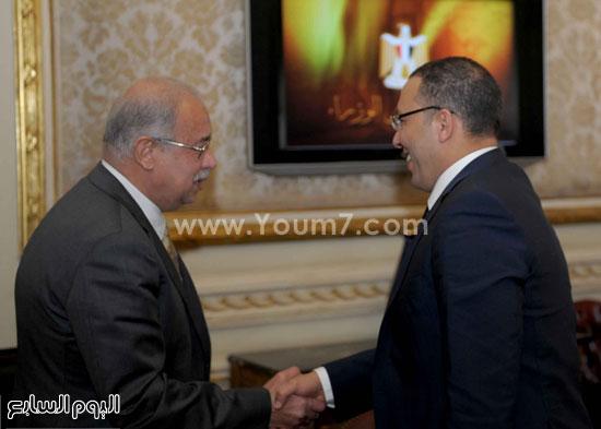لقاء رئيس الوزراء مع رؤساء تحرير الصحف (11)