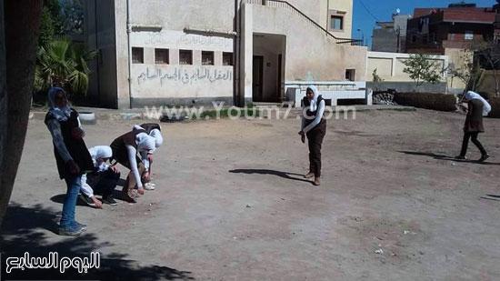 حملة-نظافة-بمدارس-كفر-الشيخ-بعنوان-أنشودة-النظافة-فى-حب-مصر-(1)