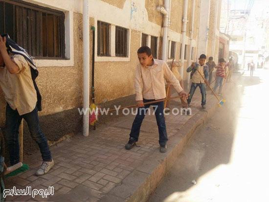 حملة-نظافة-بمدارس-كفر-الشيخ-بعنوان-أنشودة-النظافة-فى-حب-مصر-(4)