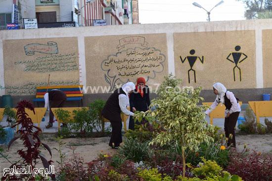 حملة-نظافة-بمدارس-كفر-الشيخ-بعنوان-أنشودة-النظافة-فى-حب-مصر-(9)