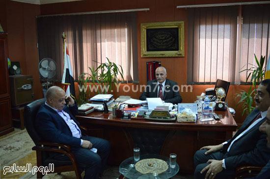 الشباب والرياضة تستقبل قنصل فلسطين بالإسكندرية (1)
