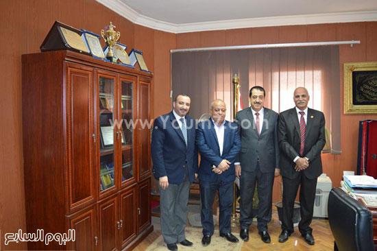 الشباب والرياضة تستقبل قنصل فلسطين بالإسكندرية (4)