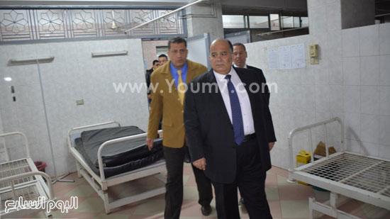 محافظ الدقهلية يحيل مدير مستشفى طلخا للتحقيق (15)