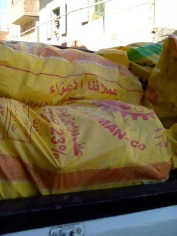 ضبط 2 طن دجاج مجمد غير صالح للاستهلاك  (2)