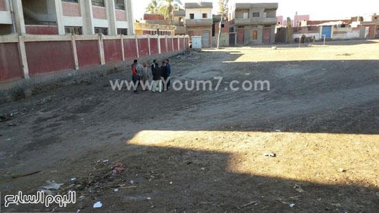 المكان المخصص لبناء المدرسة بدسوق  (1)
