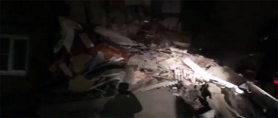 انهيار مبنى بروسيا (3)