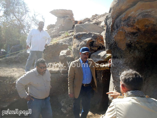 البحث عن الاكتشافات الأثرية بأسوان (5)