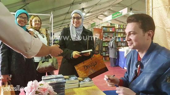 ماجد عبدالله، قمر لينا، معرض القاهرة، دار ليلى، اخبار الثقافة، اخبار الاثار (2)