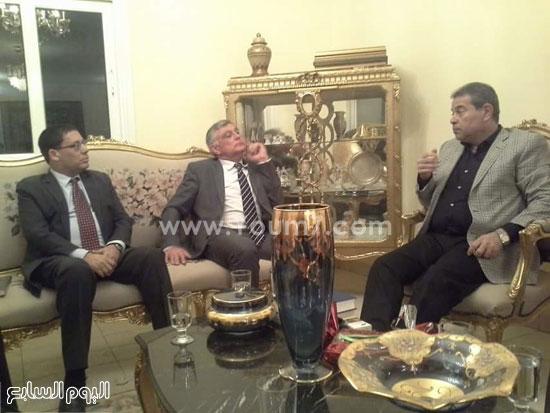 توفيق عكاشة مع السفير الإسرائيلي بالقاهرة (2)