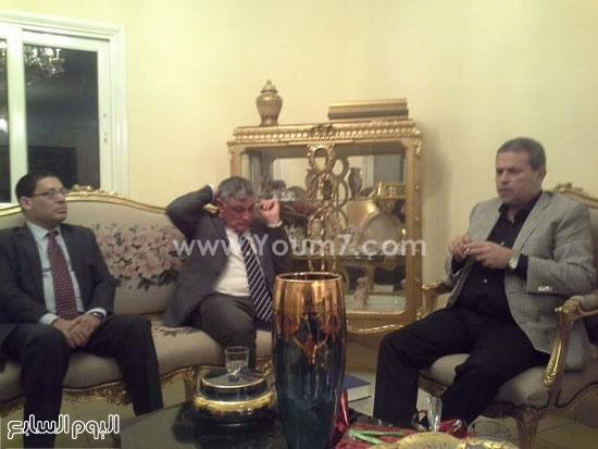 توفيق عكاشة مع السفير الإسرائيلي بالقاهرة (3)