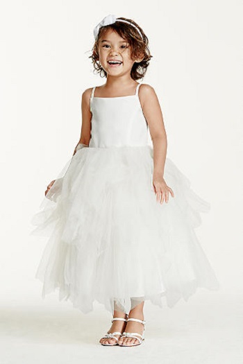 d95d5d912 فساتين أطفال رائعة .. ستُشعِر ابنتك بأنها إحدى أميرات