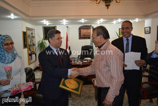 جمال سرور وزير القوى العامله يكرم المحالين للمعاش (5)