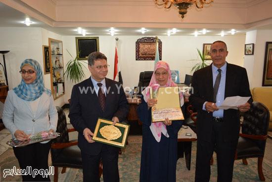 جمال سرور وزير القوى العامله يكرم المحالين للمعاش (9)