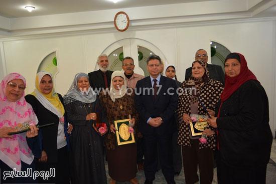 جمال سرور وزير القوى العامله يكرم المحالين للمعاش (11)
