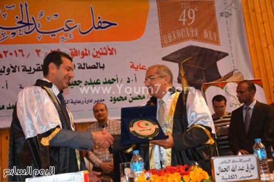 تخرج طلاب -كليه الطب- جامعه اسيوط (8)