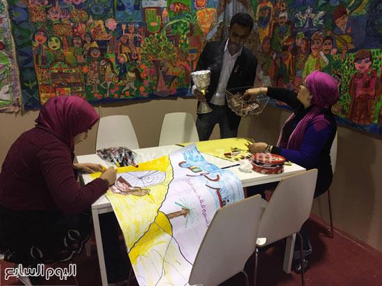 البحرين تستقبل زوار معرض الكتاب (6)