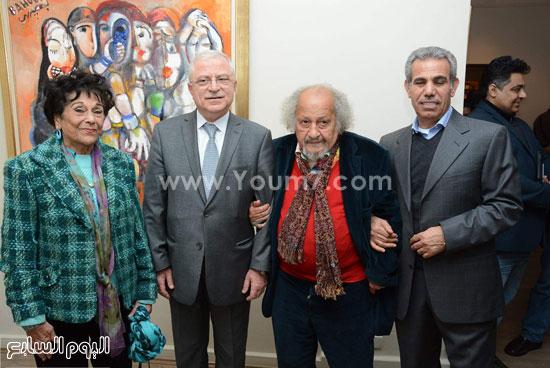 جورج-بهجوري-والسفير-اللبناني-امام-لوحة-أم-كلثوم