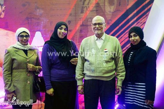 عم إسماعيل أقدم زائر لمعرض الكتاب (5)