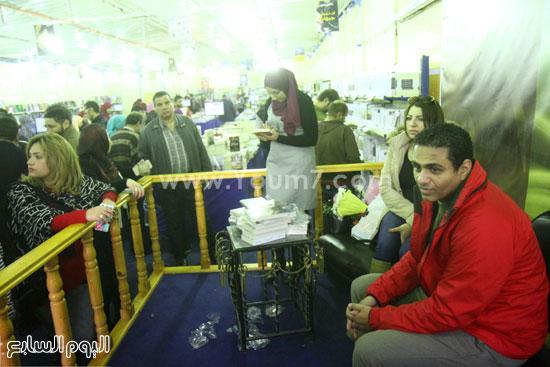 محمد صلاح العزب ، ستديو ريهام للتصوير ، معرض الكتاب ، اخبار الثقافة (2)