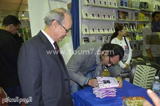 الكاتب سامح قاسم (2)