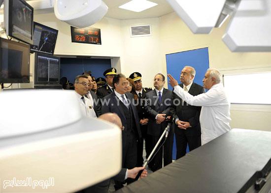 وزارة الداخلية مستشفى الشرطة  اخبار مصر شريف اسماعيل رئيس الوزراء (9)