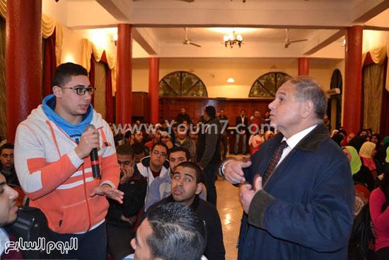 رئيس-جامعة-الإسكندرية--مهارات-الشباب-(3)