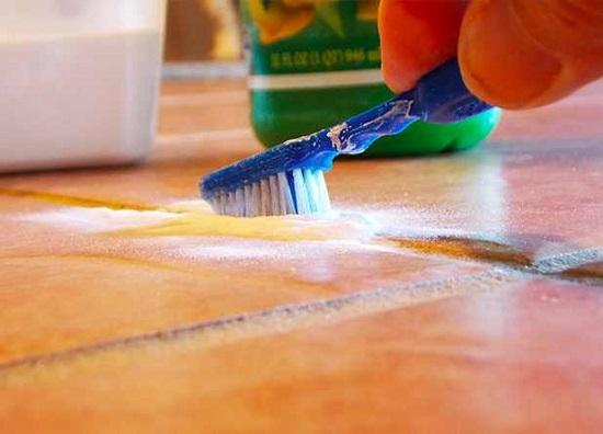 استخدامات فرشاة الاسنان القديمة  (2)