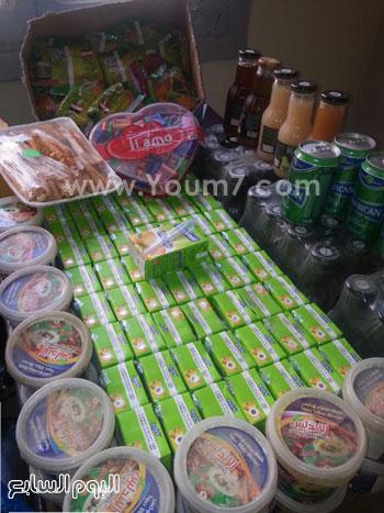 ضبط 305 علبة حلوى وعصائر منتهية الصلاحية بمطروح (3)