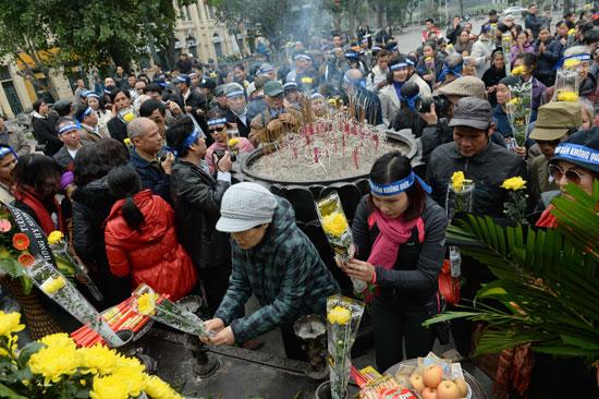 320161410418341فيتنام-الصين-ذكرى-مقتل-64-جندى--(8).jpg