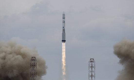 المريخ، رحلة للمريخ، مهمة المريخ، اكتشاف المريخ، كسومارس، الصاروخ بروتون (4)