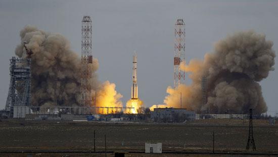 المريخ، رحلة للمريخ، مهمة المريخ، اكتشاف المريخ، كسومارس، الصاروخ بروتون (5)