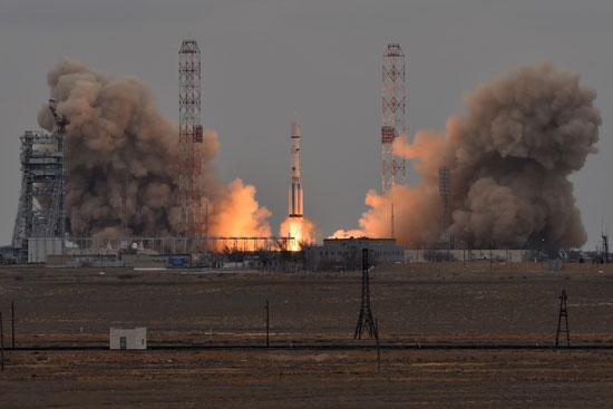 المريخ، رحلة للمريخ، مهمة المريخ، اكتشاف المريخ، كسومارس، الصاروخ بروتون (12)
