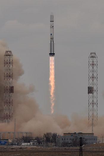 المريخ، رحلة للمريخ، مهمة المريخ، اكتشاف المريخ، كسومارس، الصاروخ بروتون (15)