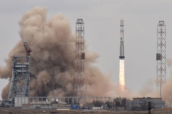 المريخ، رحلة للمريخ، مهمة المريخ، اكتشاف المريخ، كسومارس، الصاروخ بروتون (16)