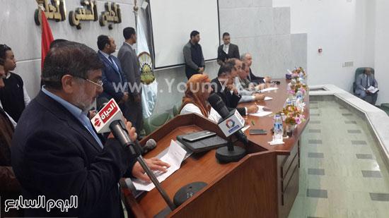 وفد-البرلمان-بمطروح-يعقد-اجتماعا-مع-الأهالى-للوقوف-على-مشاكل-المحافظة-(3)