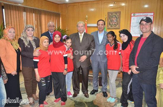 لقاء  يس طاهر محافظ الاسماعيلية مع أعضاء مجلس إدارة جمعية نساء الإسماعيلية  (5)