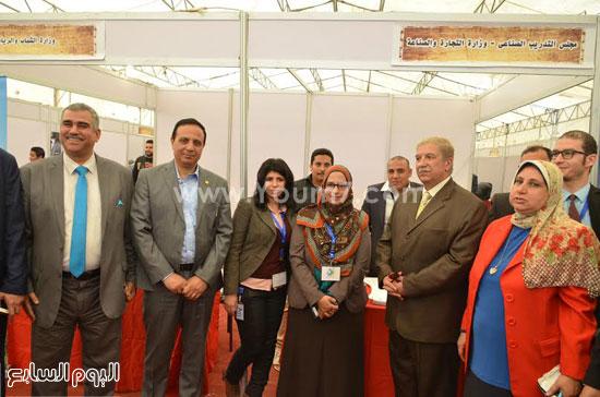 لقاء  يس طاهر محافظ الاسماعيلية مع أعضاء مجلس إدارة جمعية نساء الإسماعيلية  (6)