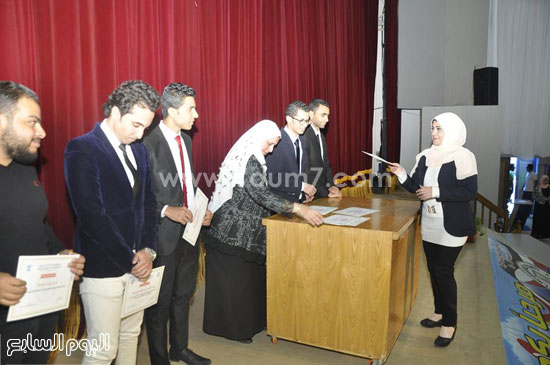 حفل تنصيب اتحاد طلاب صيدلة جامعة قناة السويس (1)