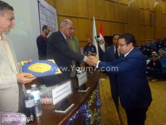 الدكتور ماجد القمرى رئيس جامعة كفر الشيخ (4)
