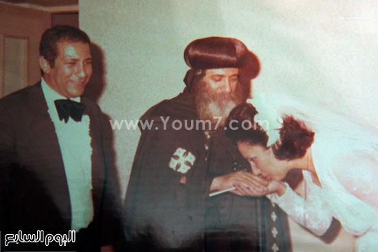 البابا شنودة مع عائلته (22)