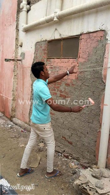 شباب القصير يدهنون حوائط المنازل (3)