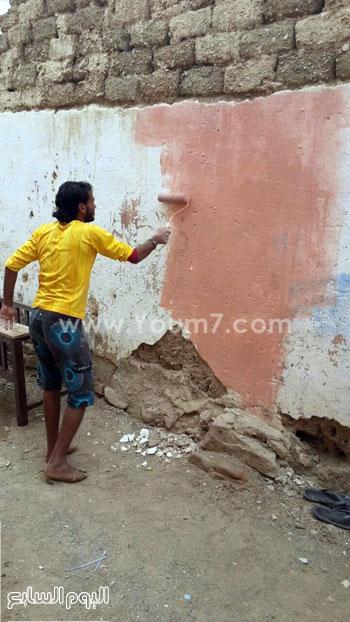 شباب القصير يدهنون حوائط المنازل (4)