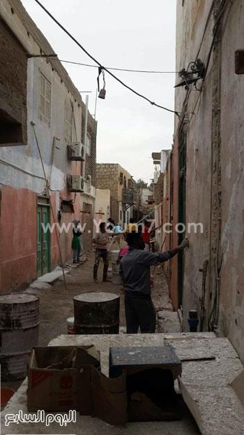 شباب القصير يدهنون حوائط المنازل (5)