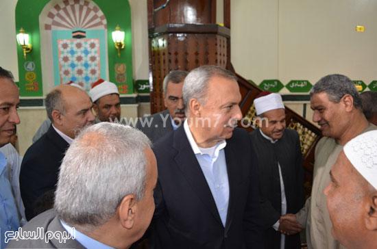 محافظ قنا يفتتح مسجد سعيد حلوى بمنطقة الشئون (5)