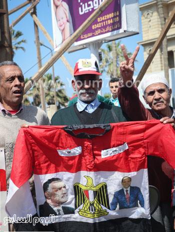 متظاهرو القائد إبراهيم يدعمون الحرب ضد الإرهاب وينعون الشهيد شريف محمد عمر (5)