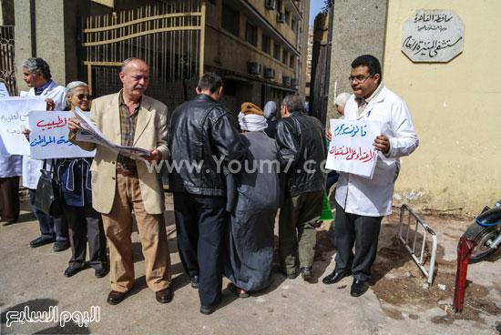 وقفة الاطباءمحاكمة امناء الشرطة المنيرة العام  الاعتداء على مستشفي المطرية (9)